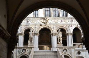 Palazzo ducale Sassuolo: dove si trova? È aperto al pubblico? Orari e costi